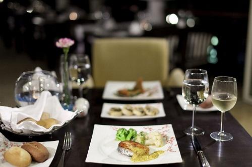 رستوران بین المللی La Nazir Restaurant در هتل توپکاپی آنتالیا