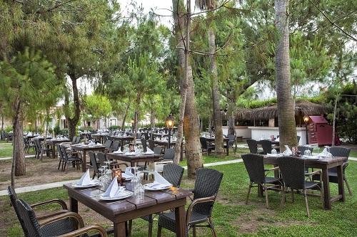 رستوران Mangal Park Restaurant در هتل توپکاپی آنتالیا