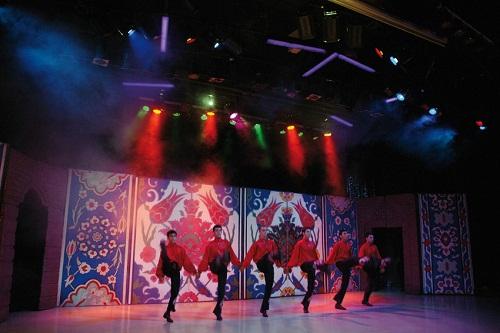 اجرای نمایش های مختلف در هتل توپکاپی آنتالیا