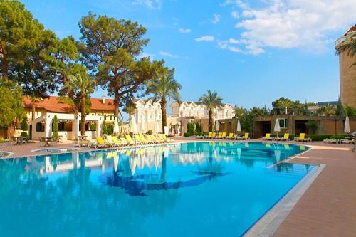 استخر اصلی هتل 5 ستاره گرند رینگ آنتالیا