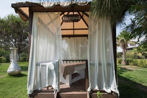 کابین های مخصوص ماساژ ساحل اختصاصی هتل ۵ ستاره ونیزیا پالاس آنتالیا