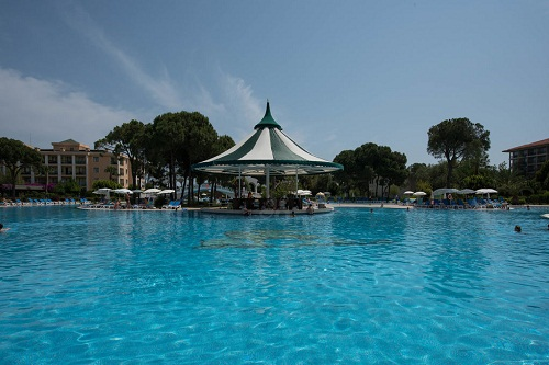 اسنک بار استخر اصلی هتل ونیزیا پالاس
