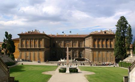 یکی از دیدنی های ایتالیا کاخ پیتی فلورانس است