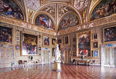 کاخ زیبای پیتی از مکانهای دیدنی ایتالیا