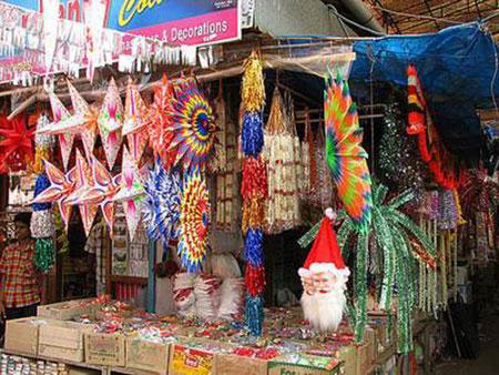 بازارهای گوا یکی از جاذبه های گردشگری شهر گوا میباشد