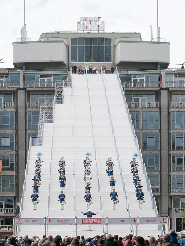 افتتاح بزرگ ترین پلکان شهری در هلند