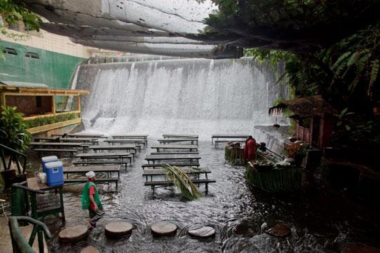 ویلا اسکودرو، فیلیپین