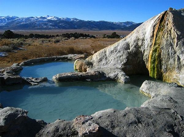 چشمههای آبگرم کالیستوگا، کالیفرنیا