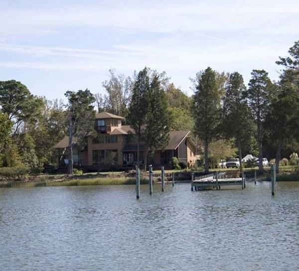 خانه قدیمی جنگلی، ویرجینیا