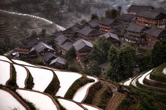 روستای کوهستان (Mountain Village)، چین