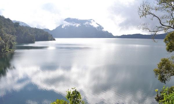 دریاچه Gunung Tujuh
