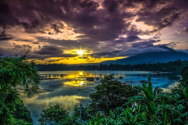 دریاچه Sampaloc