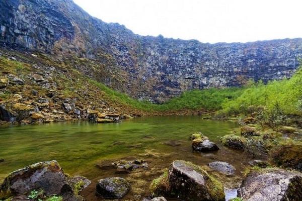 دره شگفت انگیز به شکل نعل اسب در ایسلند