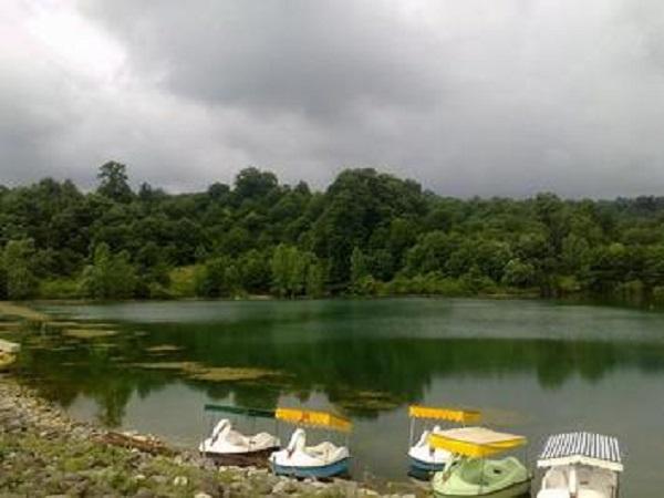 دریاچه زیبای الیمالات