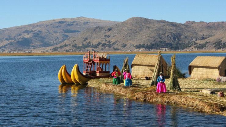 تیتیکاکا (Titicaca)، خط مرزی پرو-بولیوی