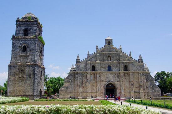 کلیسای Paoay در ایلوکوس شمالی، فیلیپین