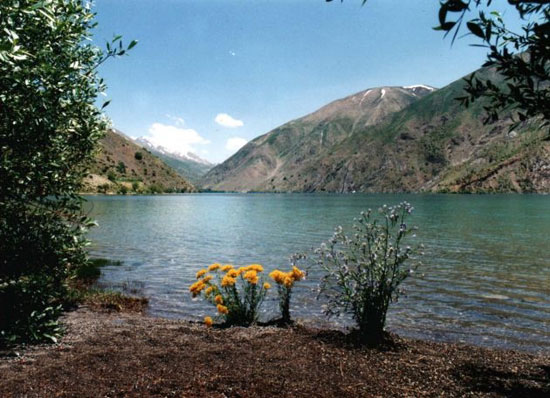 نگین زاگرس ؛ دریاچه گهر لرستان