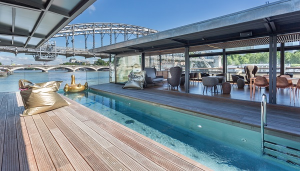 نخستین هتل روی آب فرانسه به روی رودخانه سن