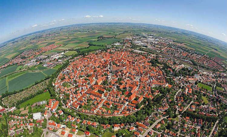 نوردلینگن ؛ شهری در گودال شهاب سنگ