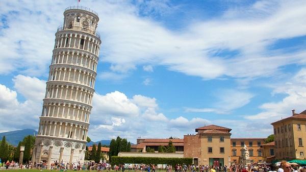 دلیل کج بودن برج پیزا چیست ؟