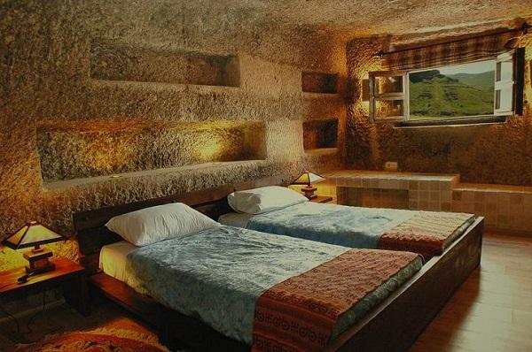 هتل سنگی لاله کندوان