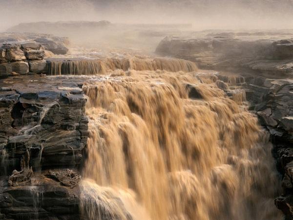 آبشار هوکو بزرگ ترین آبشار واقع در رودخانه زرد چین