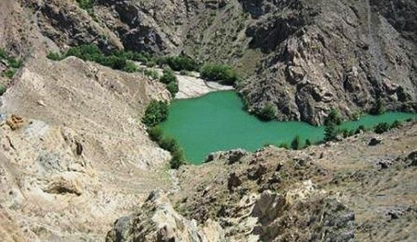 دریاچه ایی که بر اثر زلزله ایجاد شد