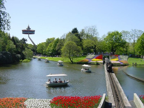افتلینگ قدیمی ترین و بزرگترین شهر بازی هلند