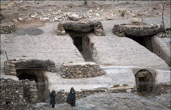 روستای صخره ای میمند شهر بابک کرمان