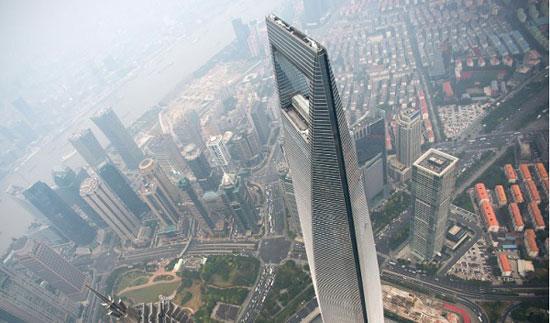 برج مرکز مالی جهانی شانگهای؛ چین به ارتفاع 1614 پا