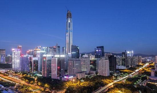 مرکز تجارت جهانی پینگ ان؛ شنژن چین به ارتفاع 1965 پا