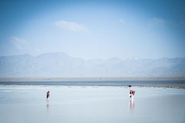 نمک چاکا ، دریاچه زیبای آینه ای