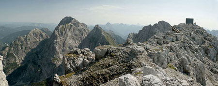 این کلبه کوهستانی شما را شگفت زده می کند
