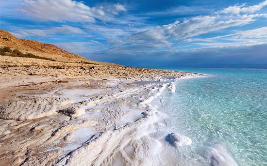 دریای مرده ، هیچکس در این دریا غرق نمی شود