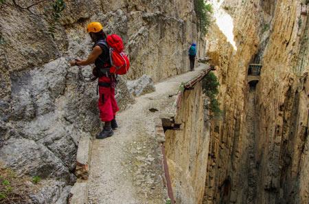 ال کامینیتو دل ری خطرناکترین مسیر پیاده روی