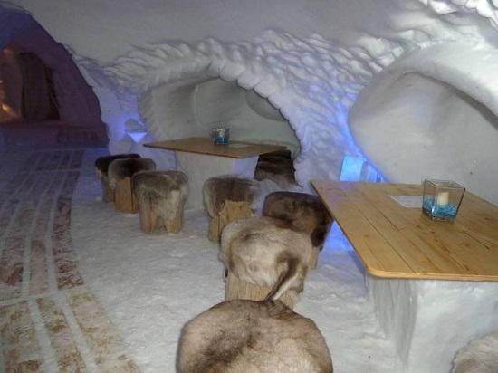 هتل اسکیموها در کوه های آلپ