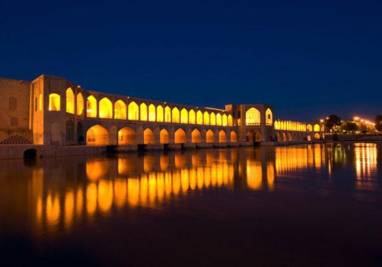 پل اللهوردی خان اصفهان معروف به سیوسه پل