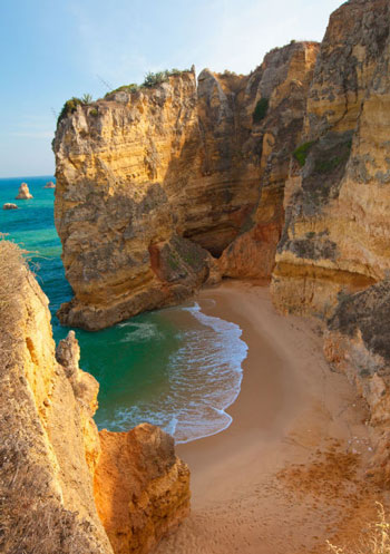 ساحل Praia Dona Ana؛ پرتقال