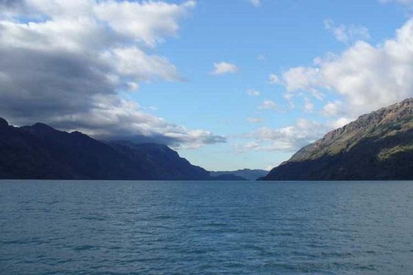 دریاچه اُ هیگینز یا سن مارتین