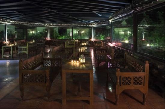 رستوران سنتی دهکده توریستی شاندرمن