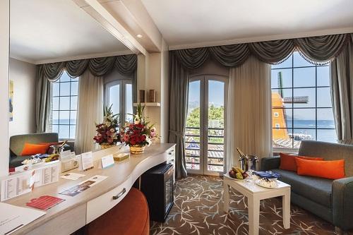 هتل اورنج کانتی آنتالیا (اتاق های استاندارد با منظرۀ دریای مدیترانه)