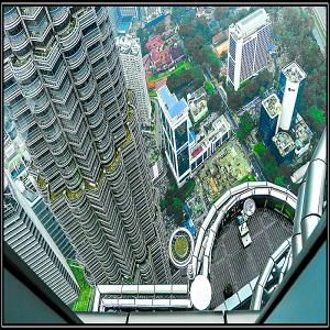برج های دوقلوی مالزی (منظرۀ پل آسمان)