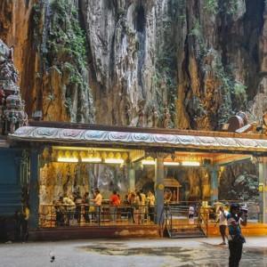 غارهای باتو (معبد خدای موروگان)