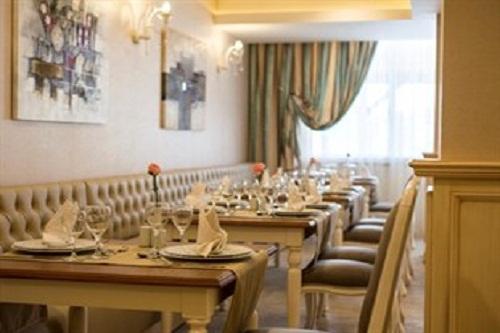 رستوران های هتل رامادا ریزورت لارا (رستوران ترکی Ottoman Restaurant)