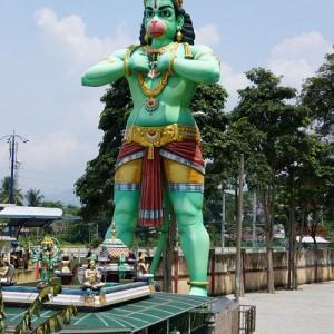 غارهای باتو (مجسمۀ Hanuman)