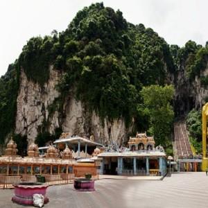 غارهای باتو (غار میمون ها)