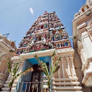 معبد Sri Maha Mariamman (درب ورودی)