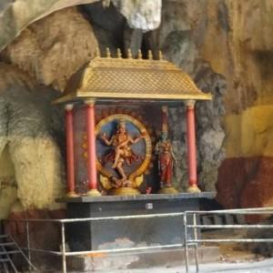 غارهای باتو (مجسمۀ وقف)