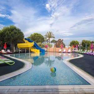 هتل ریکسوس پریمیوم آنتالیا (استخر روباز کودکان)