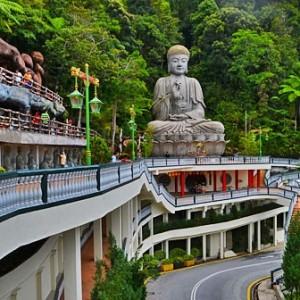 معبد بهشت و جهنم (مجسمه بودا)